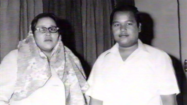 Mata Ji with her son the school boy Prem Rawat (Maharaji)