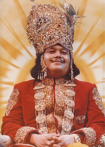 Prem Rawat Dressed As Krishna