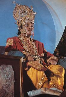 Prem Rawat (Maharaji) dressed as Lord of the Universe